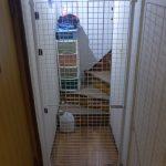 階段を降りたところに柵を作った